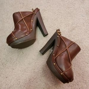 Forever 21 mules size 6